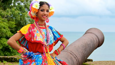 Traditional Panamanian Dress Corazon del Cielo